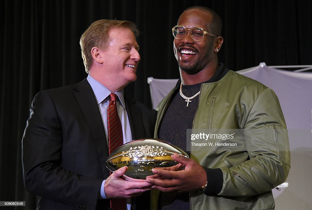 NFL commissioner <a gi-track='captionPersonalityLinkClicked' href=/galleries/search?phrase=Roger+Goodell&family=editorial&specificpeople=744758 ng-click='$event.stopPropagation()'>Roger Goodell</a> presents the Super Bowl 50 MVP trophy to <a gi-track='captionPersonalityLinkClicked' href=/galleries/search?phrase=Von+Miller&family=editorial&specificpeople=7125735 ng-click='$event.stopPropagation()'>Von Miller</a> #58 of the Denver Broncos at the Moscone Center West on February 8, 2016 in San Francisco, California. The Broncos defeated the Carolina Panthers in the Super Bowl 24-10.