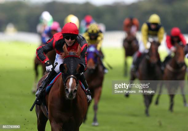 Common Touch ridden by Kieren Fallon in the National Racecourse Catering Awards Handicap Stakes during day one of the 7th Ascot CAMRA Beer Festival...