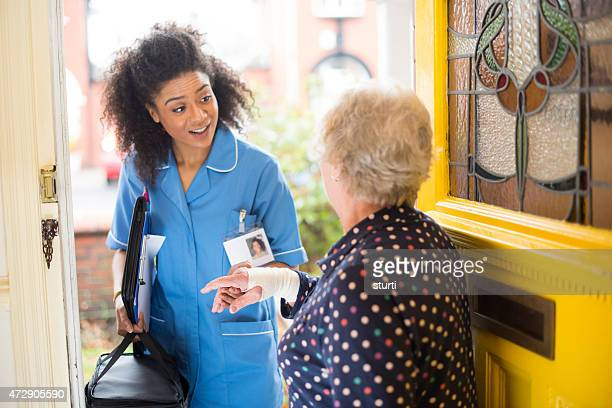 Communauté soin Infirmière visiter senior