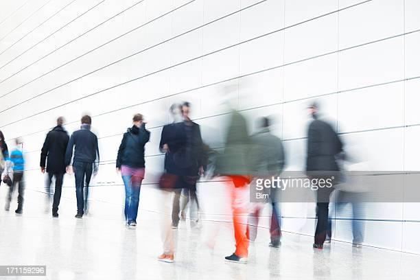 Fluxo de passageiros em movimento interior