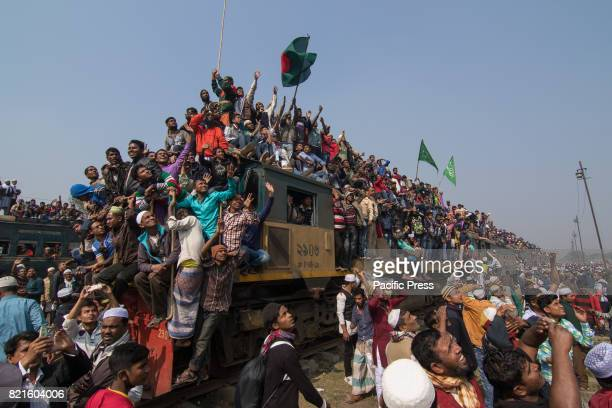 Commuters and travelers try to find a place on the train with many resorting to standing on the roof and holding the front No seats and rare trains...