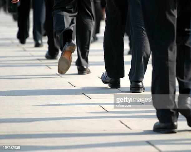 Commuting feet