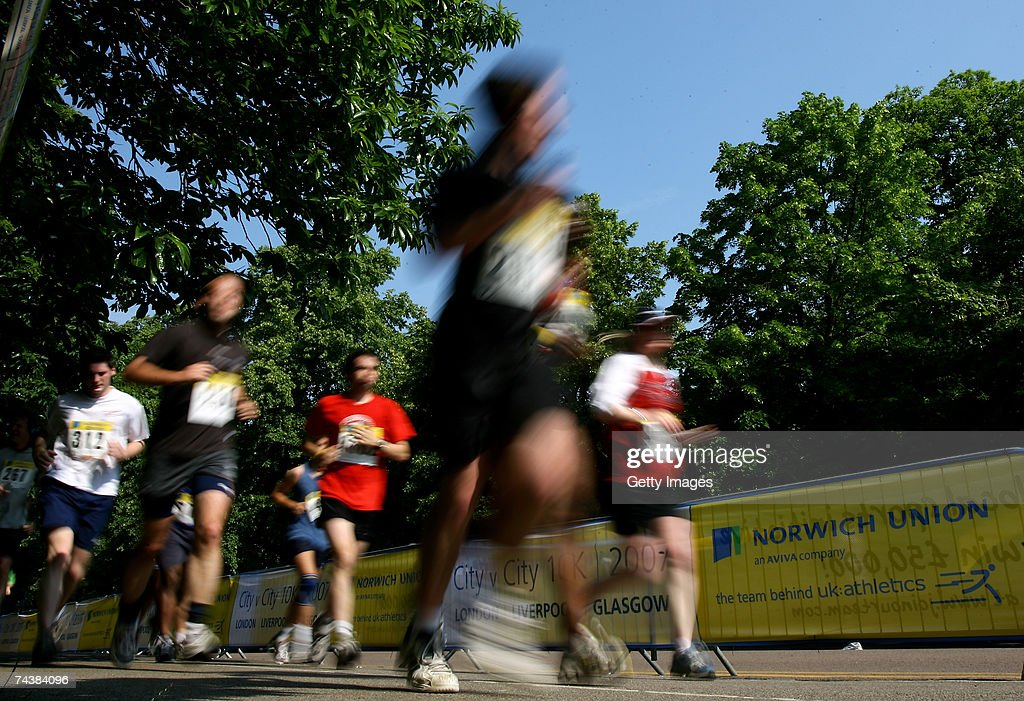 Competitors take part at the Inaugural Norwich Union City v City 10km Run in Greenwich Park on June 3 2007 in London England