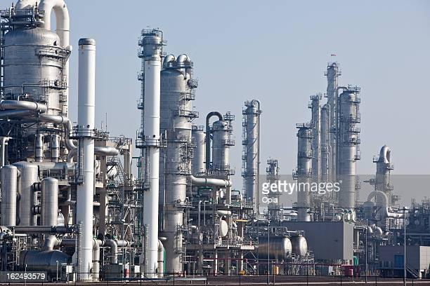 Komplizierte Chemiefabrik