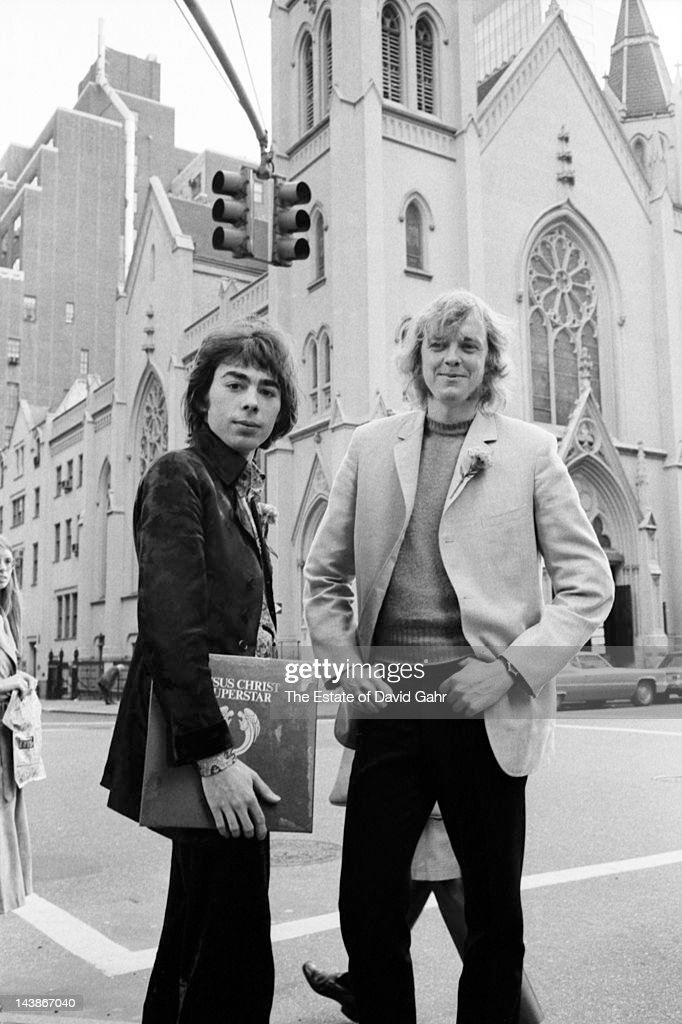 Composers lyricists and impresarios Andrew Lloyd Weber and Tim Rice pose for a portrait on October 27 1970 upon the release of their doubleLP...