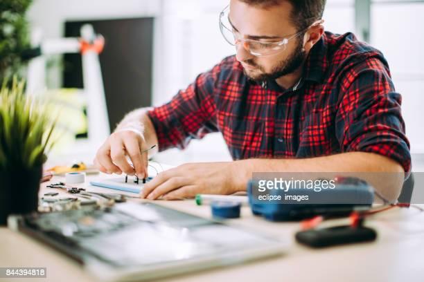 Microélectronique ordinateur programmé