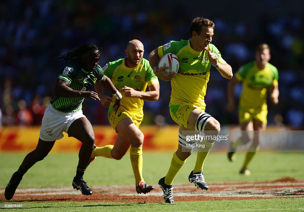 <a gi-track='captionPersonalityLinkClicked' href=/galleries/search?phrase=Con+Foley&family=editorial&specificpeople=8672116 ng-click='$event.stopPropagation()'>Con Foley</a> of Australia makes a break during the 2016 Sydney Sevens Cup Semi Final match between Australia and South Africa at Allianz Stadium on February 7, 2016 in Sydney, Australia.
