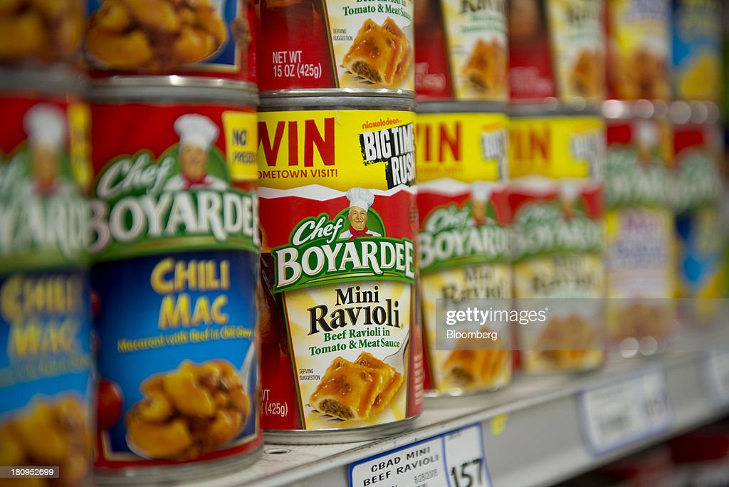 ConAgra Foods Inc. Chef Boyardee brand ravioli sits on display at a supermarket in Princeton, Illinois, U.S., on Tuesday, Sept. 17, 2013. ConAgra Foods Inc., is scheduled to report quarterly earnings on Sept. 19, 2013. Photographer: Daniel Acker/Bloomberg via Getty Images