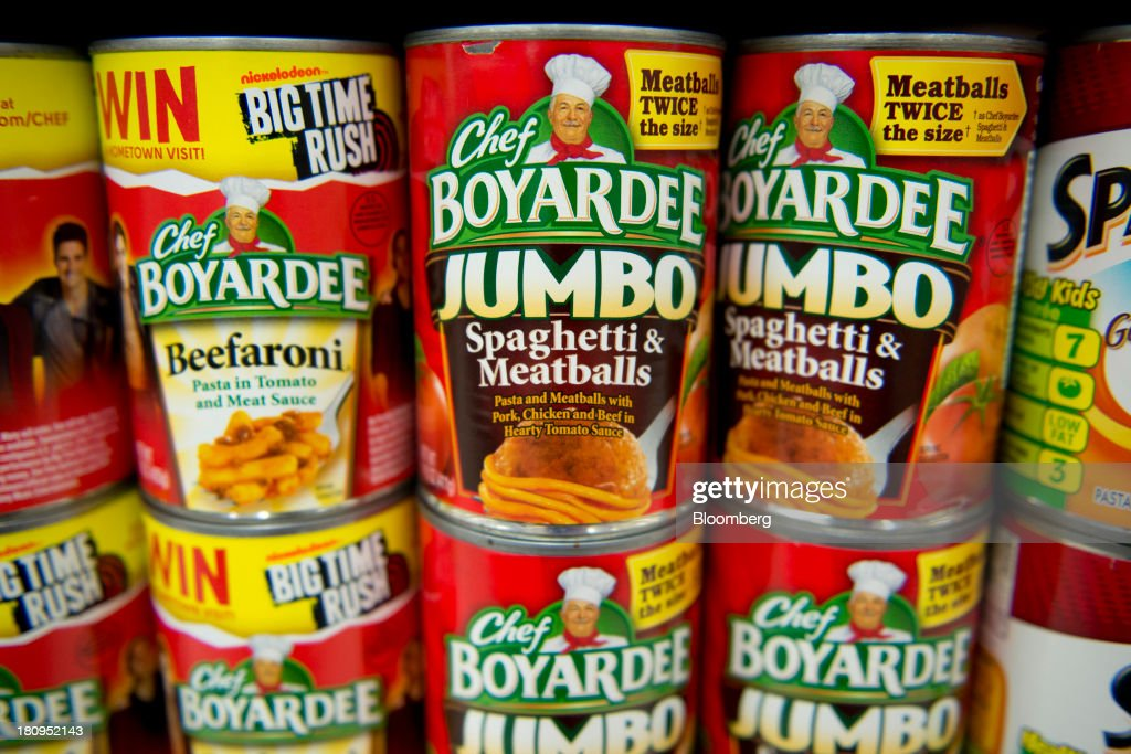 ConAgra Foods Inc. Chef Boyardee brand spaghetti and meatballs sits on display at a supermarket in Princeton, Illinois, U.S., on Tuesday, Sept. 17, 2013. ConAgra Foods Inc., is scheduled to report quarterly earnings on Sept. 19, 2013. Photographer: Daniel Acker/Bloomberg via Getty Images