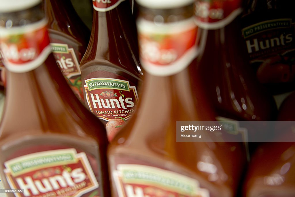 ConAgra Foods Inc. Hunts brand ketchup sits on display at a supermarket in Princeton, Illinois, U.S., on Tuesday, Sept. 17, 2013. ConAgra Foods Inc., is scheduled to report quarterly earnings on Sept. 19, 2013. Photographer: Daniel Acker/Bloomberg via Getty Images