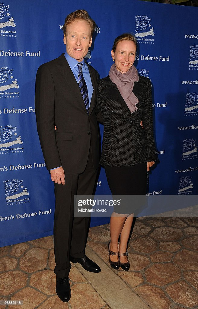 <a gi-track='captionPersonalityLinkClicked' href=/galleries/search?phrase=Conan+O%27Brien&family=editorial&specificpeople=208095 ng-click='$event.stopPropagation()'>Conan O'Brien</a> and wife Liza Powell attend the Children's Defense Fund's 19th Annual Los Angeles 'Beat the Odds' Awards at Beverly Hills Hotel on December 3, 2009 in Beverly Hills, California.