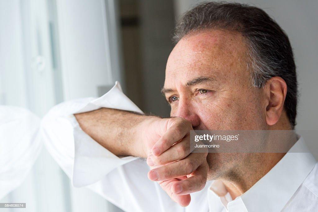 Concerned senior man : Stockfoto