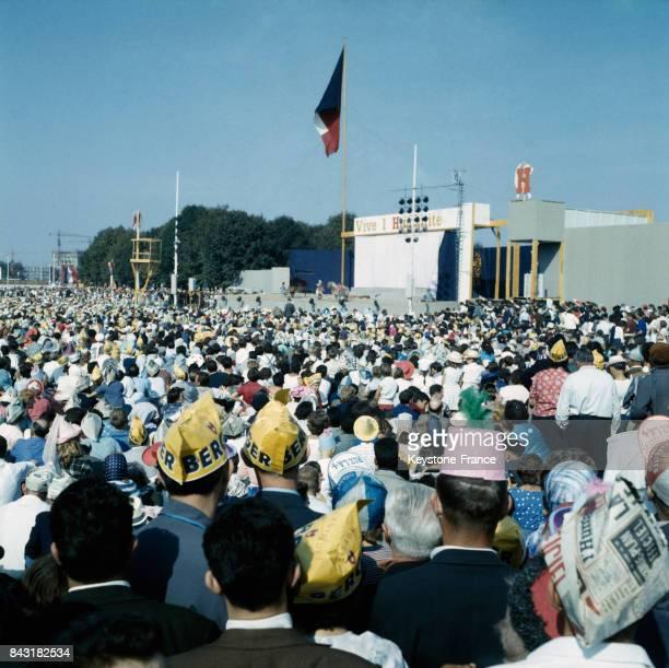 Concert de la Fête de l'Humanité à Paris circa 1960 France