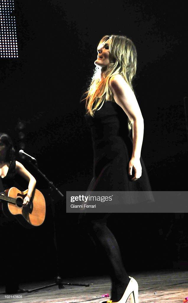 Concert of the singer Amaia Montero, 9th October, 2009, Bullring, Leganes, Madrid, Spain