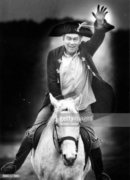 Concord MA surgeon and reenactor Dr Seymour DiMare rides a horse in costume on Apr 8 1984 Each year DiMare recreates the ride taken by Dr Samuel...