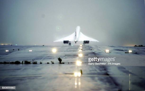 Concorde safely back on the ground at RAF Brize Norton Oxfordshire after the flight to Iceland to test safety improvements nearly a year after an Air...
