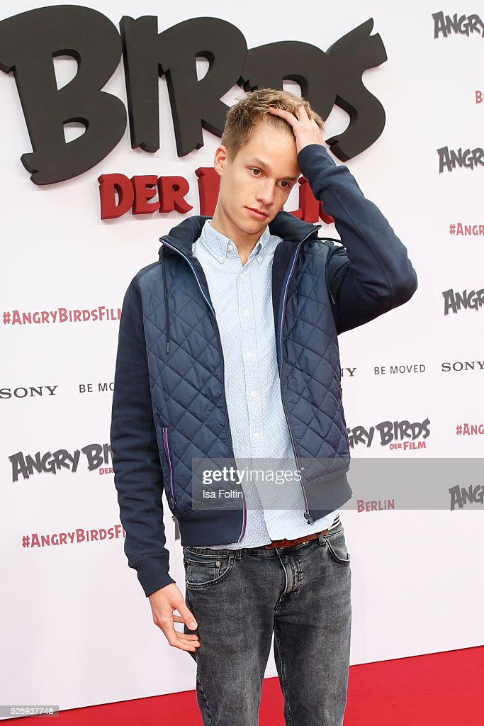 Luca aka ConCrafter attends the Berlin premiere of the film 'Angry Birds - Der Film' at CineStar on May 1, 2016 in Berlin, Germany.