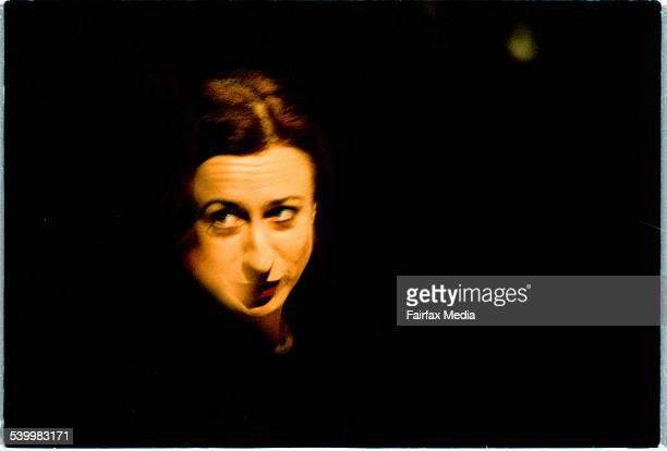 シモーネ ヤング ストックフォトと画像 | Getty Images