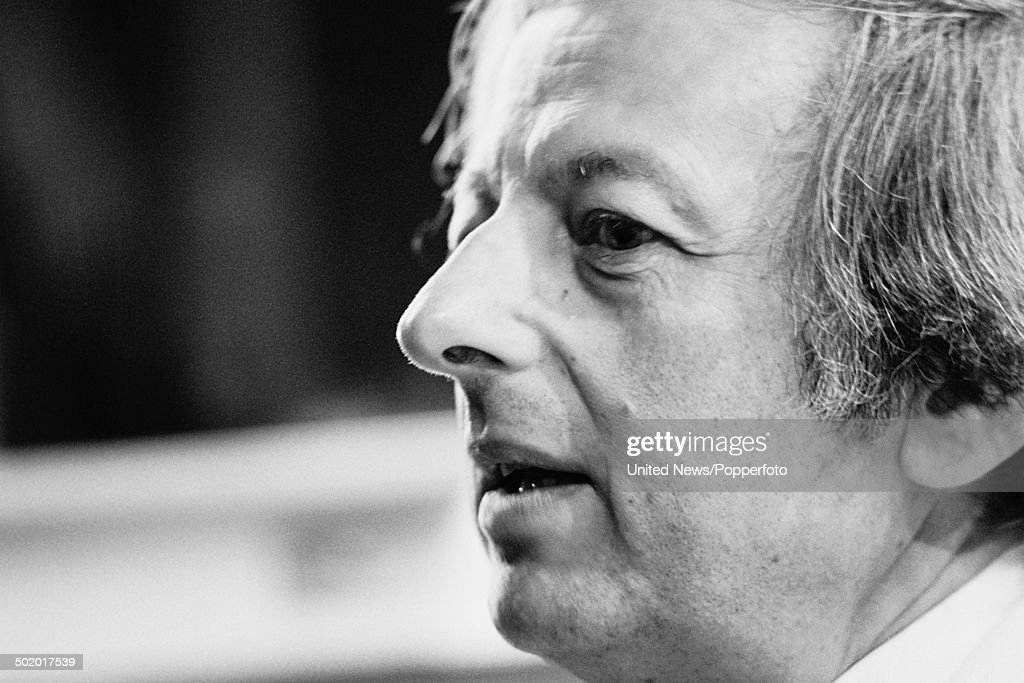 Conductor and composer <a gi-track='captionPersonalityLinkClicked' href=/galleries/search?phrase=Andre+Previn&family=editorial&specificpeople=890306 ng-click='$event.stopPropagation()'>Andre Previn</a> pictured at the Royal Festival Hall in London on 27th January 1986.