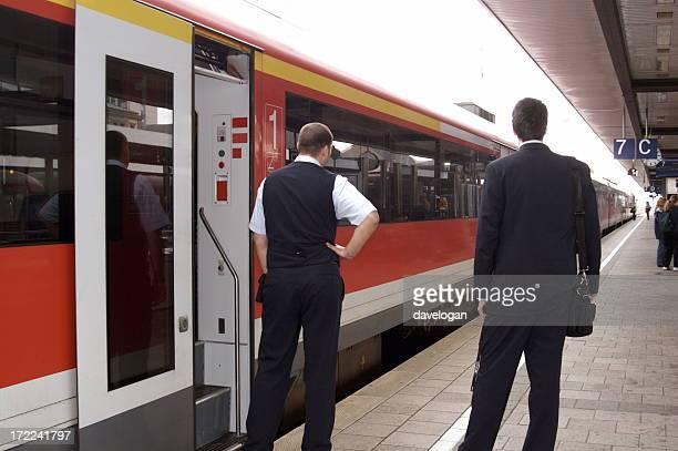 Dirigent und Porter auf europäischen Eisenbahn