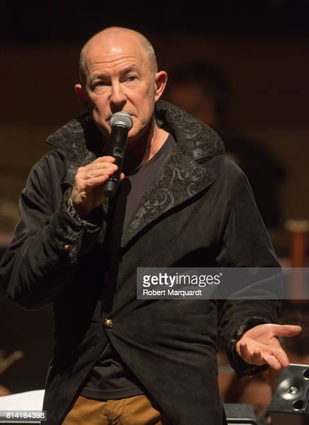 Conductor Evan Ziporyn introduces the symphonic concert of David Bowie's 'Blackstar' album at the L'Auditori on July 13 2017 in Barcelona Spain