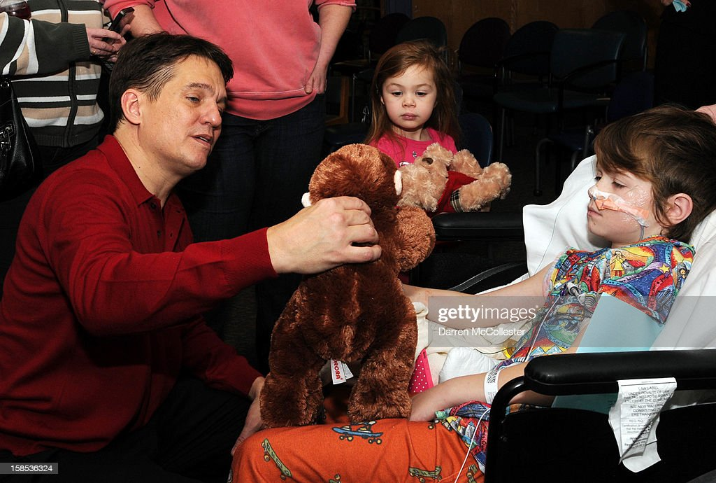 Conductor <a gi-track='captionPersonalityLinkClicked' href=/galleries/search?phrase=Keith+Lockhart+-+Orchestral+Conductor&family=editorial&specificpeople=4508918 ng-click='$event.stopPropagation()'>Keith Lockhart</a> performs during the Boston Pops Holiday Concert with William at Boston Children's Hospital on December 18, 2012 in Boston, Massachusetts.