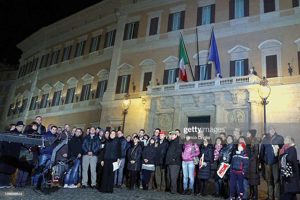TV conductor Lucia Annunziata (C) attends 'Leader' Italian TV Show in front of Montecitorio Italian parliament on January 18, 2013 in Rome, Italy.