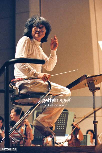 Conductor Seiji Ozawa attends the rehearsal of the Saito Kinen Orchestra at Matsumoto Cultural Hall on September 1 1994 in Tokyo Japan