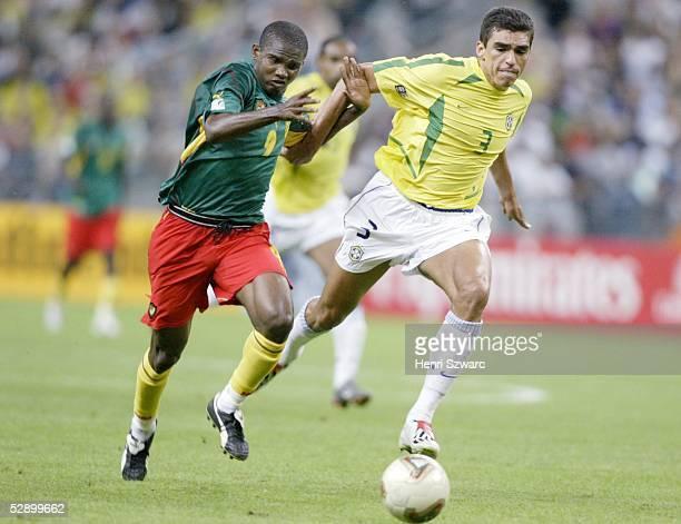 Confederations Cup 2003 Saint Denis Brasilien Kamerun 01 Samuel ETO'O/CMR LUCIO/BRA