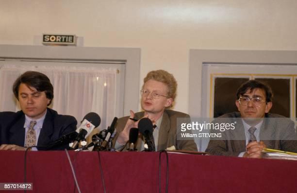 Conference de presse sur le forum de la justice avec Gilbert Collard Thierry JeanPierre et Antoine Gaudino le 14 fevrier 1992 a Paris France