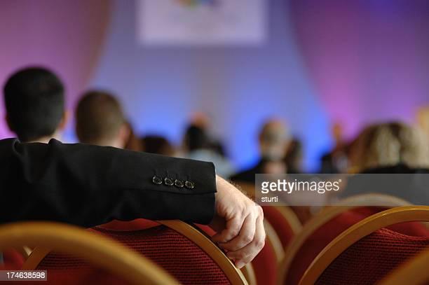 Konferenz in der hand