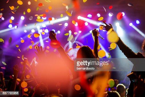 Confetti falling over the crowd : Foto stock