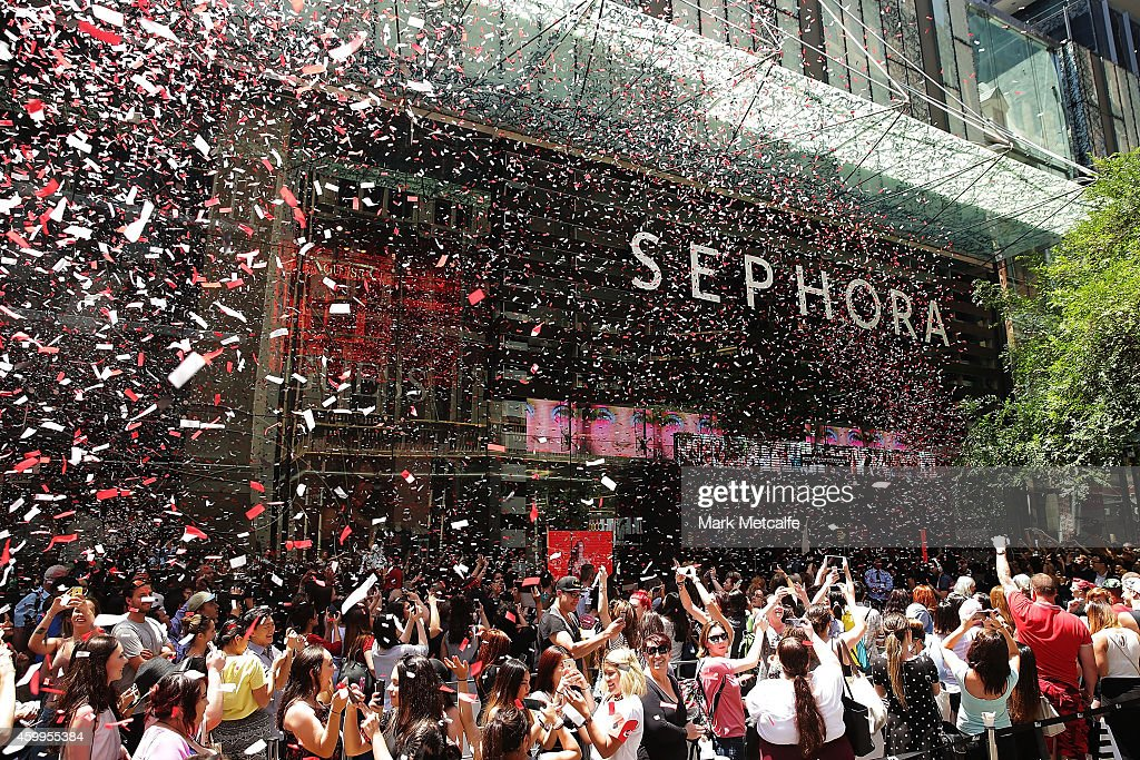 Open Store Doors crowds queue for the opening of sydney's first sephora store