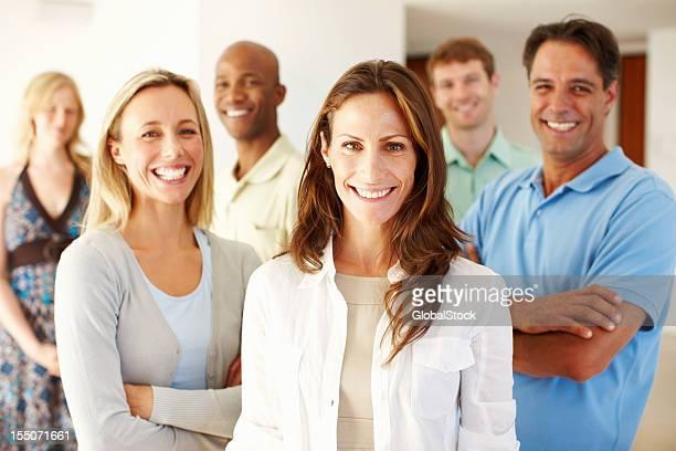 Confiant équipe d'affaires décontractée