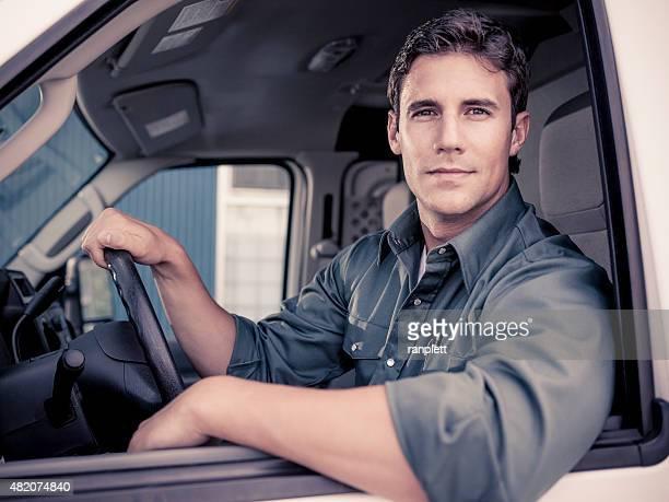 Zuversichtlich Lieferung Fahrer