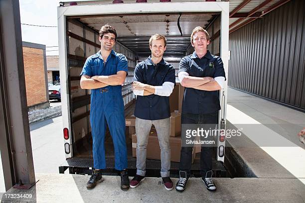 confident parcel delivery team