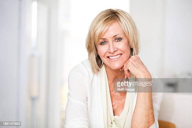 Fiducioso donna in ritardo di cinquanta, primi 60 s