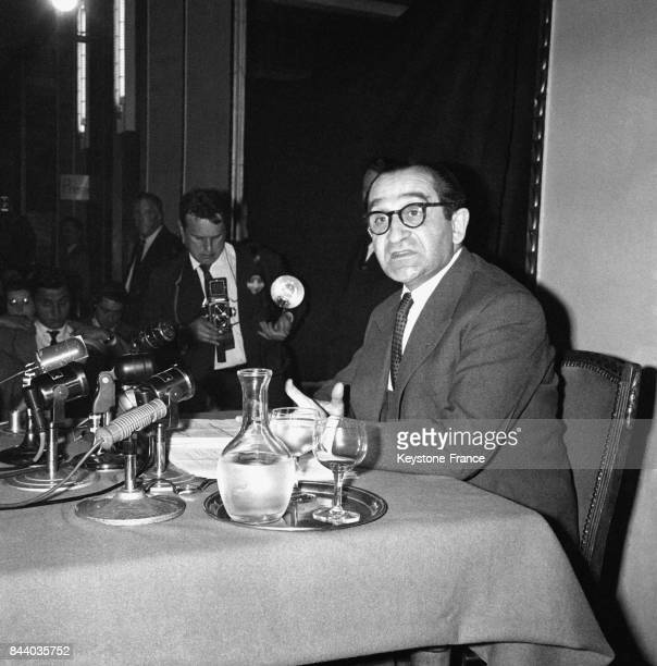 Conférence de presse de Pierre Mendès France sur la question algérienne à l'Hôtel du Palais d'Orsay à Paris France le 6 avril 1961