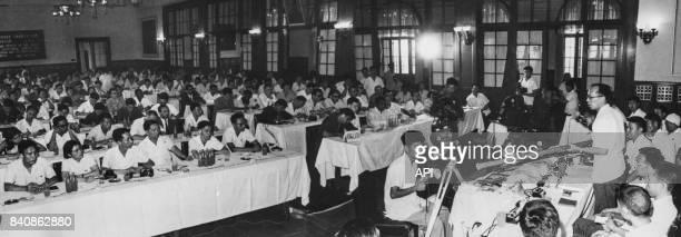 Conférence de presse d'un diplomate chinois condamnant le régime réactionnaire indien le 10 juillet 1967 à Pékin Chine