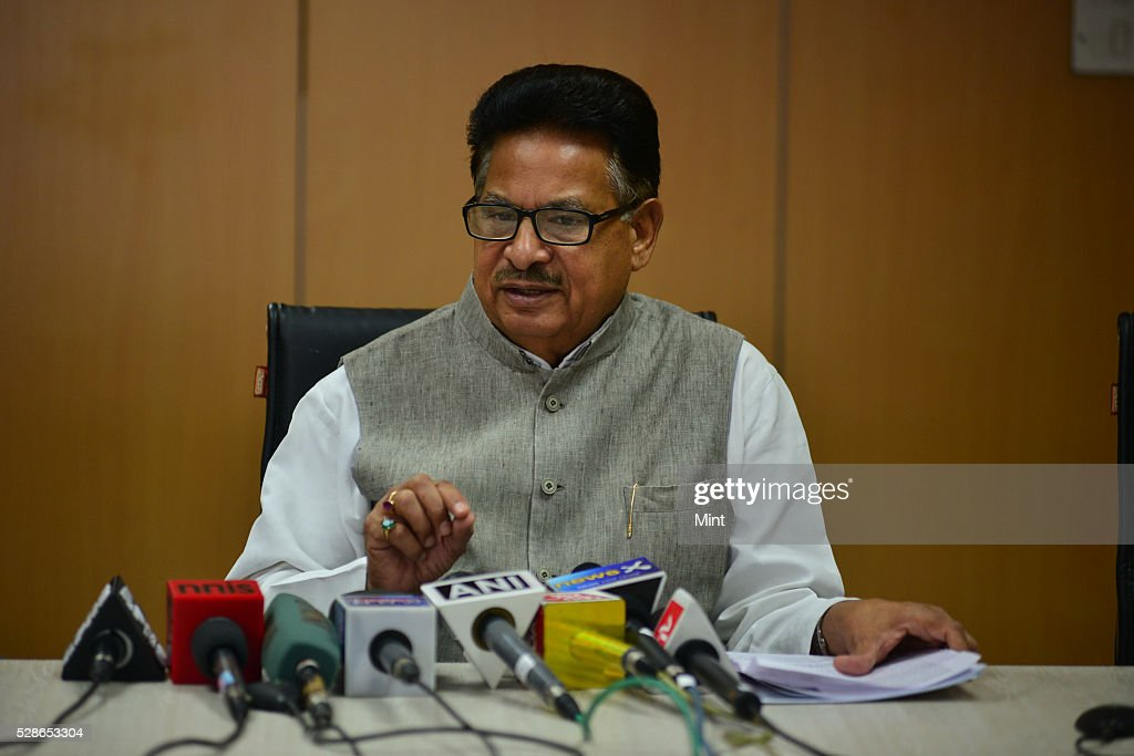 Congress leader and Chairman of NCSC PL Punia addressing a press conference on October 23, 2015 in New Delhi, India.