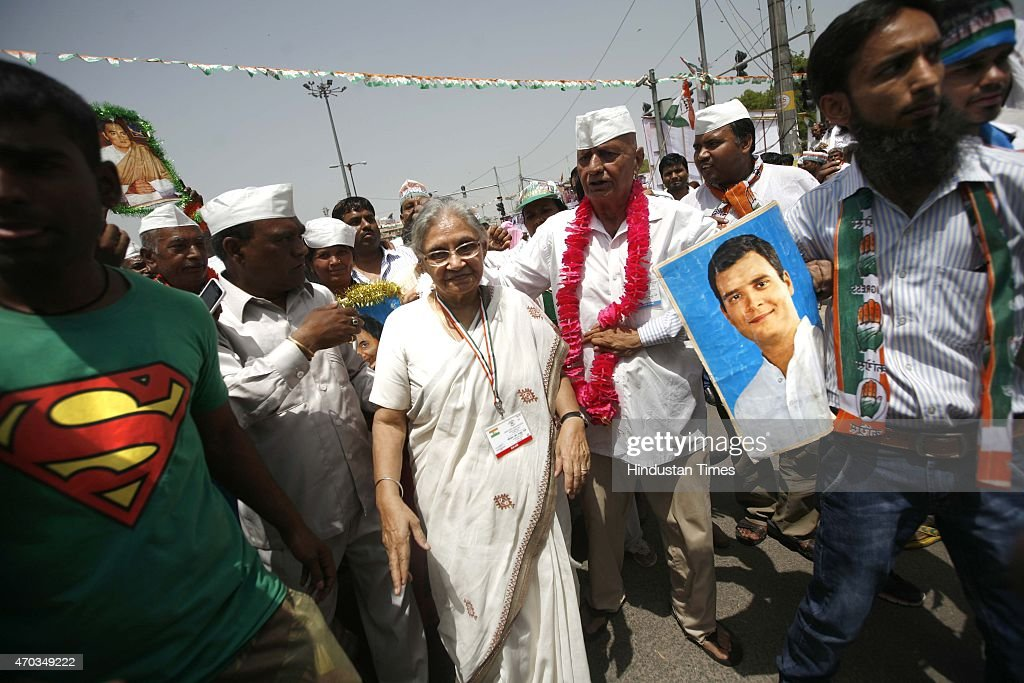 Congress leader <a gi-track='captionPersonalityLinkClicked' href=/galleries/search?phrase=Sheila+Dikshit&family=editorial&specificpeople=728110 ng-click='$event.stopPropagation()'>Sheila Dikshit</a> during the farmers rally (Kisan-Khet Mazdoor Rally) of Congress President Sonia Gandhi to galvanise protests against National Democratic Alliance's (NDA) land acquisition law at Ramlila Maidan on April 19, 2015 in New Delhi, India. Druing a rally, Rahul Gandhi said, 'I tell you how Modi ji won the election. He took loans of thousands of crores from big industrialists from which his marketing was done. How will he pay back that loan now? He will do it by giving your land to those top industrialists. He wants to weaken the farmers, then snatch their land and give it to his industrialist friends.' Sonia Gandhi said that the voice of India's farming community can never be silenced or suppressed, and any attempt to do so, would be countered with all the power at her command. She accused the Modi government of adding insult to the injury of farmers by bringing the land ordinance.