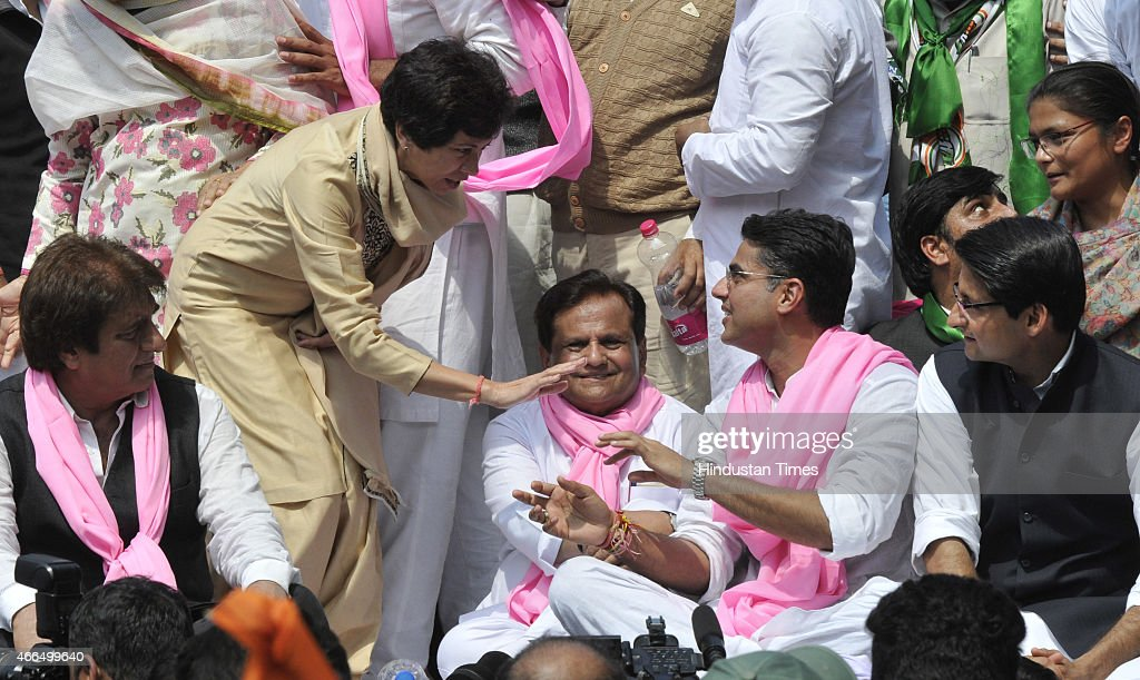 Congress leaders Ghulam Nabi Azad, Ambika Soni, Raj Babbar, Ahmed Patel, Selja Kumari and <a gi-track='captionPersonalityLinkClicked' href=/galleries/search?phrase=Sachin+Pilot&family=editorial&specificpeople=5839798 ng-click='$event.stopPropagation()'>Sachin Pilot</a> shared the stage during their protest against the Land Acquisition bill at Jantar Mantar on March 16, 2015 in New Delhi, India. The Lok Sabha had last week passed the Land Acquisition Bill of the BJP-led NDA Government at the Centre via a voice vote. Nine amendments to the bill had been adopted.