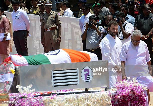 Congress Party vice president Rahul Gandhi pays tribute to former Indian President APJ Abdul Kalam during his funeral ceremony at The Pei Karumbu...
