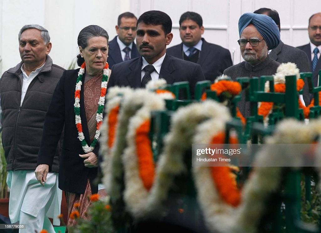 Congress president Sonia Gandhi along with Prime Minister Manmohan Singh, during the Indian National Congress party's 127th foundation day function at AICC headquarters on December 28, 2012 in New Delhi, India.