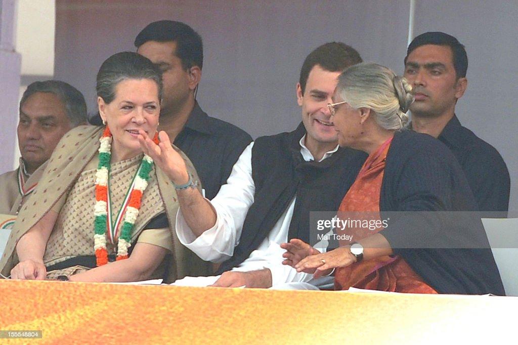 Congress President Sonia Gandhi, General Secretary Rahul Gandhi and Delhi CM Sheila Dikshit at the party's FDI Rally at Ramlila Maidan in New Delhi on Sunday, 4th November 2012.