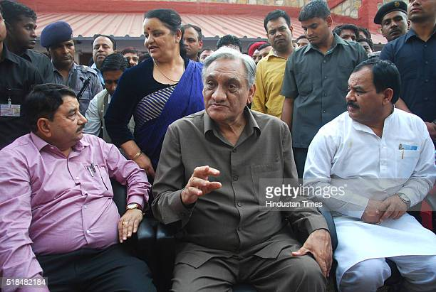 Congress rebel Vijay Bahuguna with Umesh Sharma Kau Harak Singh Rawat and Shaila Rani Rawat addresses a press conference at his residence on March 31...
