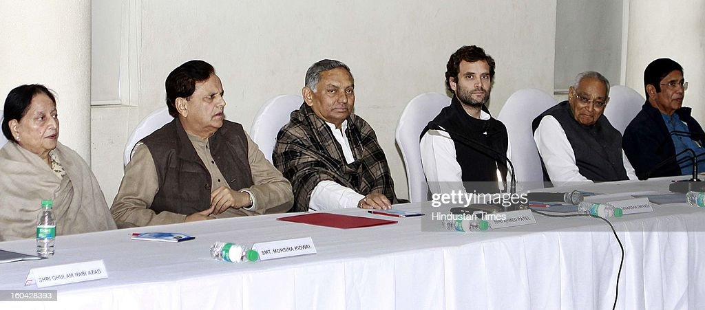 Congress Vice president Rahul Gandhi with other senior leaders Mohsina Kidwai, Ahmad Patel, Jnardan Diwedi, Moti Lal Vora and Oscar Fernandez during a meeting with AICC office bearers at 24 Akbar Road office on January 31, 2013 in New Delhi, India.