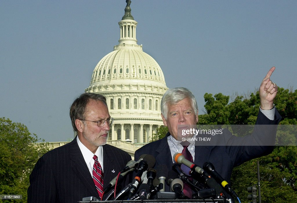 US Congressman David Bonior(D-MI)(RIGHT), with US Congressman Jim McDermott(D-WA), answers questions from the news media 02 October 2002 about their trip to Iraq during a press conference on Capitol Hill in Washington, DC. US President George W. Bush won backing from leaders of one chamber of Congress to use force against Iraq. AFP PHOTO/ Shawn THEW