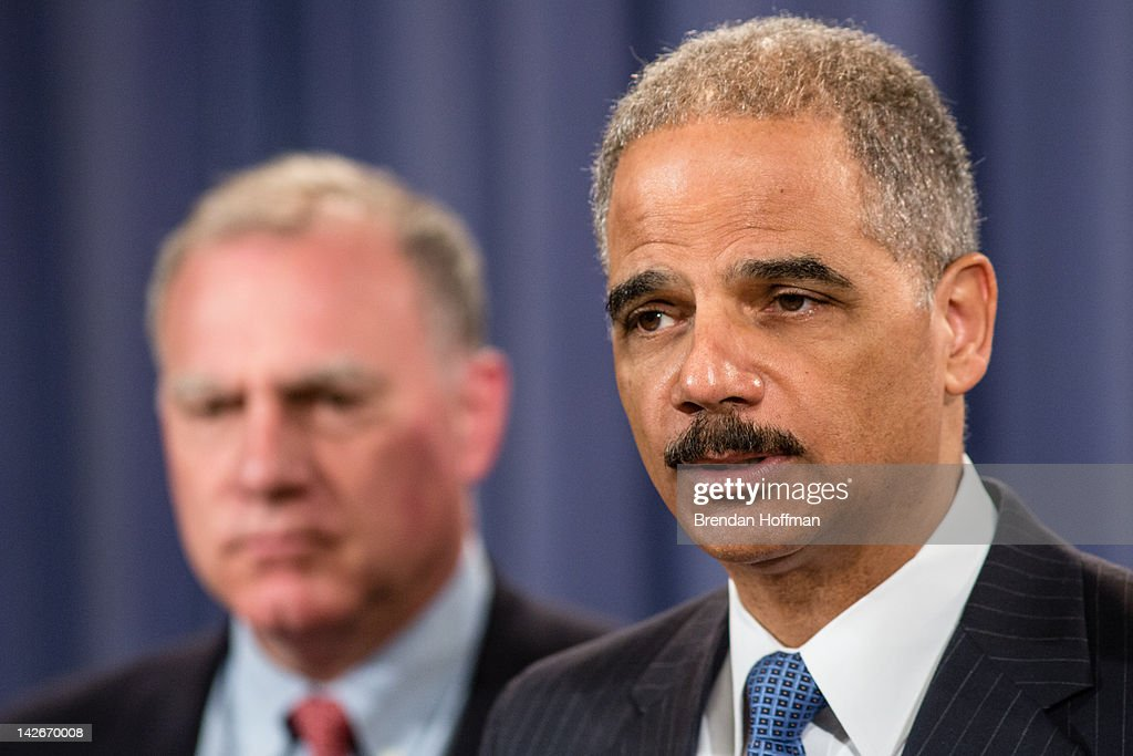 Connecticut Attorney General George Jepsen (L) and U.S. Attorney General <a gi-track='captionPersonalityLinkClicked' href=/galleries/search?phrase=Eric+Holder&family=editorial&specificpeople=1060367 ng-click='$event.stopPropagation()'>Eric Holder</a> announce an anti-trust lawsuit filed against Apple at the Department of Justice on April 11, 2012 in Washington, DC. Apple is accused of setting the price of e-books artifically high.