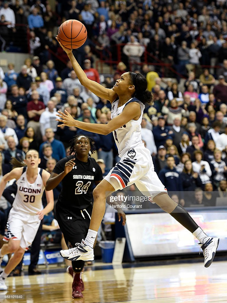 Connecticut Huskies guard <a gi-track='captionPersonalityLinkClicked' href=/galleries/search?phrase=Moriah+Jefferson&family=editorial&specificpeople=9082577 ng-click='$event.stopPropagation()'>Moriah Jefferson</a> (4) drives to the hoop for a layup on Monday, Feb. 9, 2015, at Gampel Pavilion in Storrs, Conn.